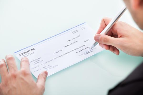 como endosar un cheque